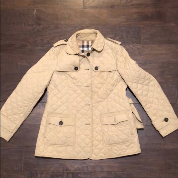 Burberry Jackets   Blazers - Burberry women s quilted jacket. 53408f8ad